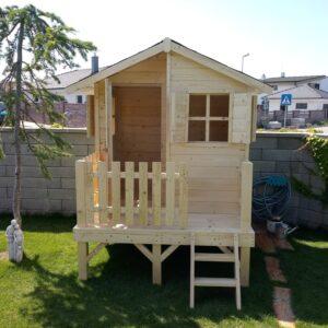 .Drevený detský domček LEO 1,8 m x 1,6 m (15 mm hrúbka steny)